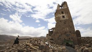 Von saudischen Kampfjets zerstörtes Wohnhaus in Faj Attan, bei Sanaa; Foto: Reuters/M. al-Sayaghi