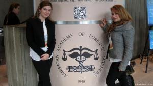 Maya Yamout (l.) und ihre Schwester Nancy; Foto: privat