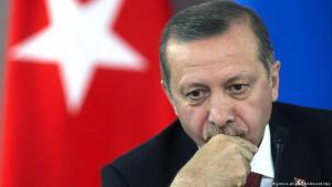 Der türkische Präsident Recep Tayyip Erdoğan nach dem Ausgang der Parlamentswahlen in der Türkei; Foto: picture-alliance/RIA Novosti/dpa