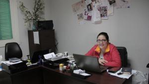 Die libanesische Frauenrechtlerin Hayat Mirshad in ihrem Büro in Beirut; Foto: Juliane Metzker