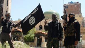 IS-Kämpfer im Flüchtlingscamp Yarmuk; Foto: picture-alliance/abaca/Balkis Press