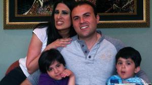 Familienfoto von Naghme Abedini mit ihrem Ehemann und ihren Kindern; Foto: American Center for Law and Justice/AFP/Getty Images