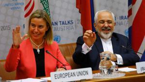 Iranischer Außenminister  Mohammad Javad Zarif mit der EU-Außenbeauftragten Federica Mogherini bei den Atomverhandlungen in Wien. Foto: Reuters/L. Foeger