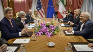 Iran Atomgespräche Kerry (l.) und Zarif in Lausanne; Foto: Reuters