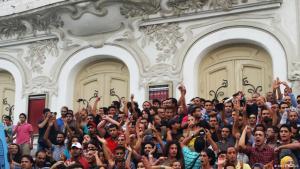 """Proteste gegen das von der Regierung geplante """"Gesetz zur wirtschaftlichen Aussöhnung"""" in der Hauptstadt Tunis; Foto: Sarah Mersch"""