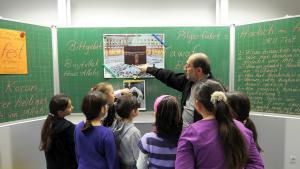 Islamischer Religionsunterricht an  der Grundschule Ludwigshafen-Pfingstweide, Foto: dpa/picture-alliance