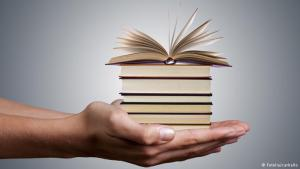 Symbolbild Bücher; Foto: fotolia-carballo
