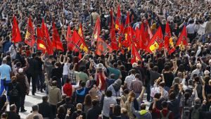 Trauerveranstaltung für die Opfer des Bombenattentas von Ankara; Foto: Reuters/U. Bektas
