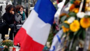 Trauer für die Opfer der Anschläge von Paris am Place de la Republique; Foto: Reuters/E. Gaillard