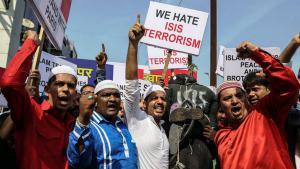 Muslime in Indien protestieren gegen IS-Terror; Foto: picture-alliance/F. Khan