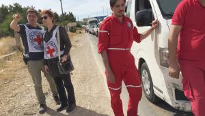Ein Hilfskonvoi des internationalen Roten Kreuzes ICRC auf dem Weg in die belagerte Stadt Madaja in Syrien; Foto: ICRC/Pawel Krzysiek/dpa