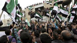 """Friedliche Proteste von Anhängern der """"Freien Syrischen Armee"""" gegen das Assad-Regime am 4. März 2016 in Marat Numan, Provinz Idlib; Foto: Reuters/K. Ashawi"""