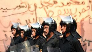 Ägyptische Polizei in einem Vorort von Kairo; Foto: AFP