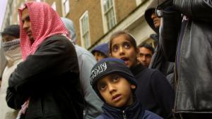 """Anhänger der Taliban rufen zum """"Heiligen Krieg"""" gegen die die pakistanische Regierung und die USA vor der pakistanischen Botschaft in London auf; Foto: Sion Touhig/Getty Images"""