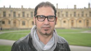 """Der irakische Autor Ali Bader während des """"Sunday Times Oxford Literurfestivals""""; Foto: picture-alliance/Photoshot"""