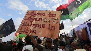 Libyer protestieren gegen die von den UN vorgeschlagenen Kandidaten für die nationale Einheitsregierung in Bengasi; Foto: Reuters/E.O.  Al-Fetori