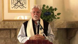 """Kabir Helminski, US-amerikanischer Scheich des Mevlevi-Derwisch-Ordens und Gründer der """"Threshold Society""""; Quelle: youtube"""