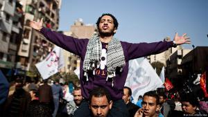 Demonstranten während des Aufstandes gegen das Mubarak-Regimes in Kairo; Foto: dpa/picture-alliance