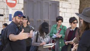 """Yehuda Shaul (links) während einer """"Breaking the Silence""""-Veranstaltung in Hebron; Foto: Oren Ziv"""