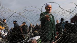 Wartende Palästinenser am Grenzübergang Rafah; Foto: Reuters/I.A. Mustafa