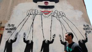 Das ägyptische Militär als politischer Strippenzieher - Graffiti an einer Mauer in der Nähe des Tahrir-Platzes in Kairo; Foto: Reuters