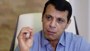 Mohammed Dahlan während eines Interviews in Abu Dhabi; Foto: picture-alliance/AFP/STR