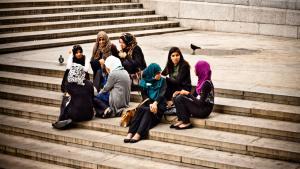 Junge Muslime in Deutschland; Foto: Garry Knight@flickr.com, CC 2.0