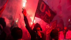 Demonstranten in Rabat fordern soziale Gerechtigkeit nach dem Tod von Mouhcine Fikri; Foto: Getty Images/AFP