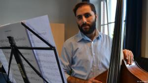 Der syrische Musiker Raed Jazbeh; Foto: Samih Amiri