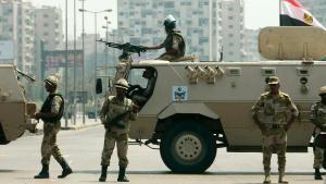 Ägyptische Armee-Einheiten in Kairo; Foto: Reuters