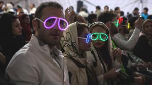 Iraner besuchen ein Rock-Konzert auf Kish Island, Iran; Foto: Mehr