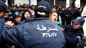 Soziale Proteste gegen die Wirtschaftspolitik der algerischen Führung unter Präsident Bouteflika; Foto: FAROUK BATICHE/AFP/Getty Images