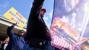 Anhänger Donald Trumps demonstrieren für ein Einreiseverbot für Muslime in die USA; Foto: Reuters/Ringo Chiu