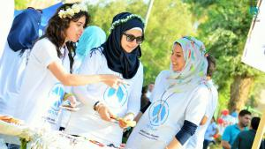 "Freiwillige des ""City of Peace Carnival"" in Bagdad am Weltfriedenstag; Quelle: iqpeace.com"