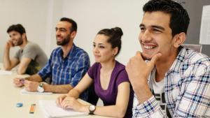 Muslimische Flüchtlinge in einem Studienkolleg der Freien Universität in Berlin; Foto: picture-alliance/dpa
