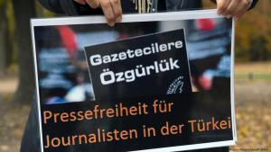 Proteste für die Pressefreiheit in der Türkei; Foto: dpa/picture-alliance