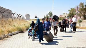 Syrische Flüchtlinge an der türkisch-syrischen Grenze in Gaziantep; Foto: picture-alliance