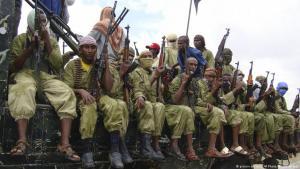 Kämpfer der islamistischen Al-Shabab-Miliz im somalischen Mogadischu; Foto: picture-alliance/AP/Mohamed Sheikh Nor