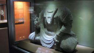 Kopfloser Buddha im afghanischen Nationalmuseum; Foto: Emran Feroz