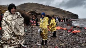 Auf den Inseln Lesbos, Chios und Samos harren noch immer ca. 10.000 Menschen in Lagern aus. Foto: Getty Images/AFP/ A. Messinis