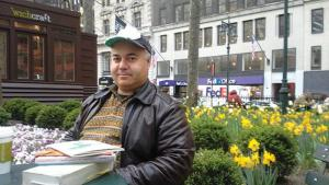 Der syrische Schriftsteller Osama Alomar in Chicago; Foto: cityofasylum.org