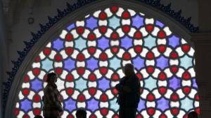 Glasfenster in der Sehitlik-Moschee in Berlin; Foto: dpa