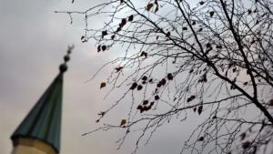 Symbolbild Herbststimmung Moschee und Minarett; Foto: dpa