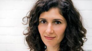 Die iranische Schriftstellerin Nava Ebrahimi; Foto: Kathrin Ohlendorf