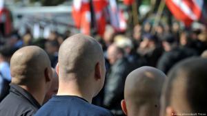 Rechtsextreme Demonstranten in Deutschland; Foto: picture-alliance/dpa/B. Thissen