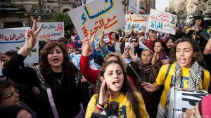 Arabische Frauenrechtsgruppen demonstrieren am internationalen Frauentag in Kairo; Foto: dpa/picture-alliance