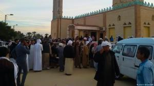 Die Moschee im Dorf Rawda im Nordsinai nach dem Anschlag; Foto: picture alliance/AA