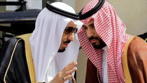 König Salman Bin Abdul Aziz Al Saud und Kronprinz Mohammed bin Salman Al Saud (r.); Foto: picture-alliance/abaca/B.Press