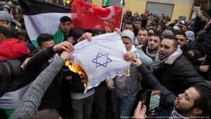Anti-israelische Demonstration in Berlin-Neukölln; Foto: picture-alliance/dpa