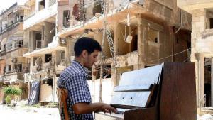 Der Pianist Aeham Ahmad; Quelle: youtube